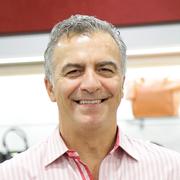 CEO Oscar Constantino